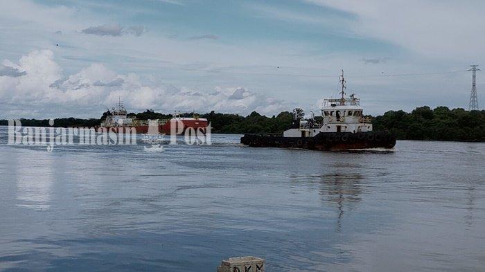Sungai Mentaya Sampit Dangkal, Kapal Melintas Harus Pakai Kapal Pandu