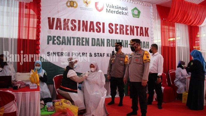Polres Tapin Gelar Vaksinasi Merdeka di Pondok Pesantren Assunniyah Tambarangan