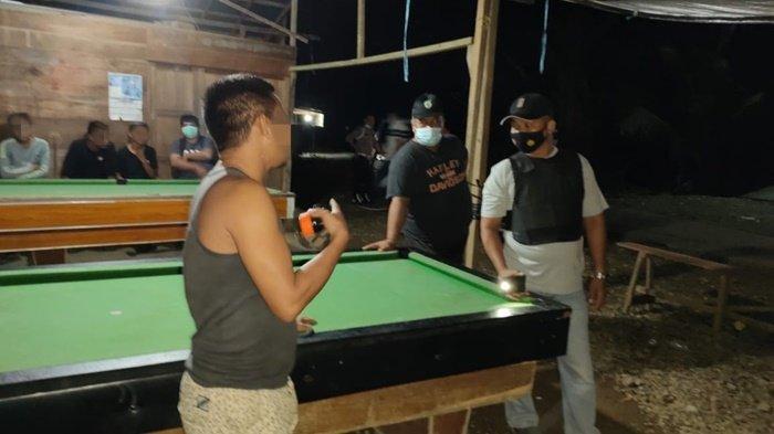 Polsek Halong Amankan 61 Botol Alkohol dari Arena Biliar di Tabuan Kabupaten Balangan