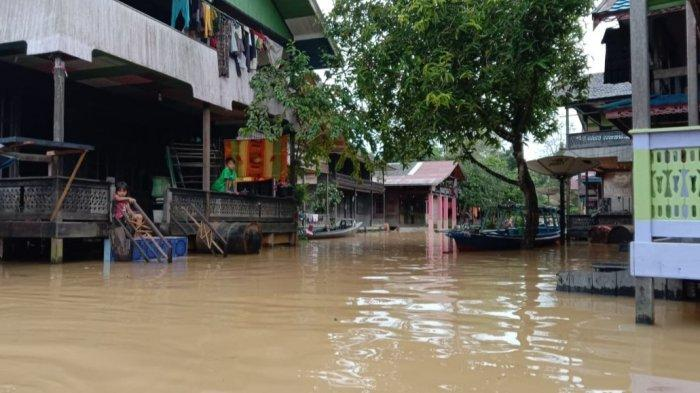 Banjir Kalteng,  Banjir melanda enam kecamatan di wilayah hulu Kabupaten Kapuas, Kalimantan Tengah (Kalteng)