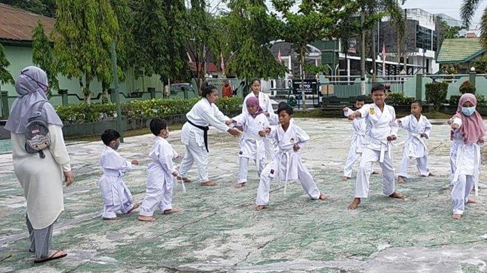 Karateka Junior Sampit Kalteng, Latihan Sejak Usia Dini Tumbuhkan Rasa Percaya Diri Anak