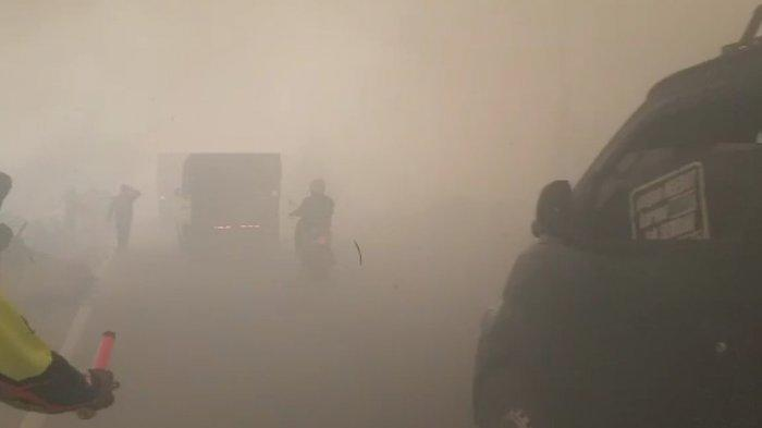 Karhutla Kalsel, 2 Helikopter Jatuhkan Bom Air di Lahan Terbakar Lianganggang dan Gambut