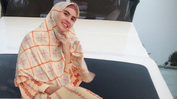 Menikah dengan Habib Usman, Ternyata Kartika Putri Sudah Punya Anak, Lihat Foto-fotonya