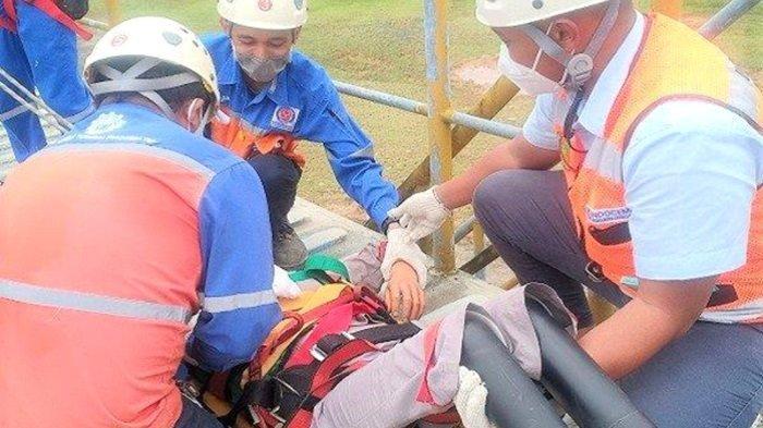 Karyawan Indocement di Kotabaru Dilatih Ketangkasan Penanganan Korban Kecelakaan Kerja