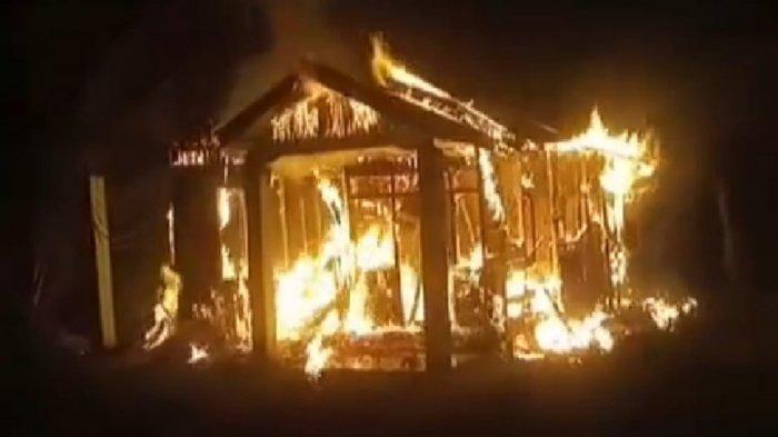 Kebakaran Kalsel, Api Hanguskan Sebuah Rumah Kosong di Antar Baru Batola