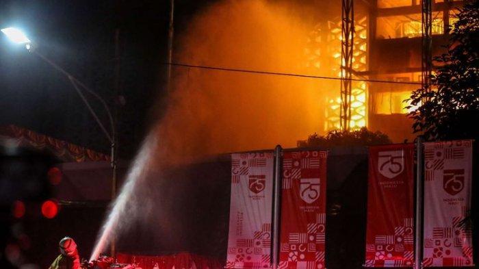 LINK Live Streaming TV One ILC, Karni Ilyas Bahas Tema 'Waduh, Kok Kejaksaan Agung Terbakar?'