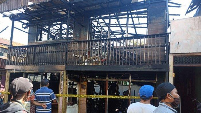 Kebakaran Banjarmasin : Terdengar Ledakan dari Lantai Dua,Lalu Api Berkobar di Kebun Bunga