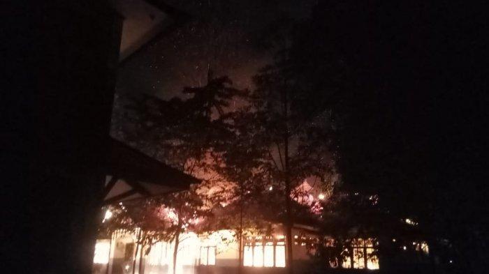BREAKING NEWS - Universitas Palangkaraya Terbakar, Api Mengamuk di Gedung Laboratorium Kehutanan