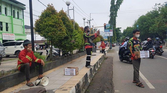 Kebakaran Kalsel, Relawan Damkar Martapura Galang Donasi untuk Kebakaran Ponpes Al-Falah