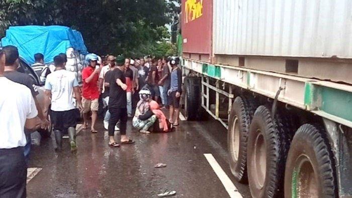 Korban Tewas Tabrakan Motor vs Truk Kontainer Dekat Pasar Batuah Martapura Bertambah 1 Orang
