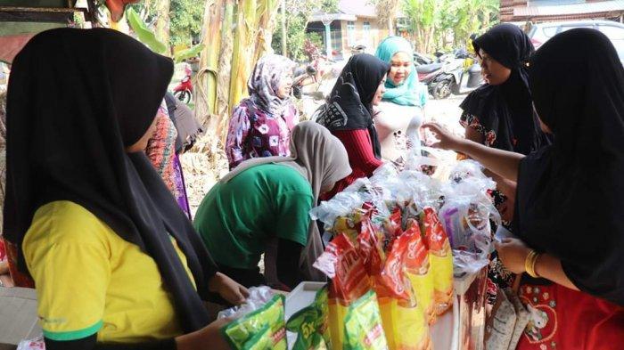 Sambut HUT ke-69 HSS, Pemkab Gelar Bazar Toko Tani Indonesia  di Seluruh Kecamatan