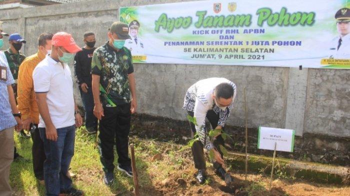 Bupati HST Pimpin Penanaman Pohon Program Gerakan Rehabilitasi Hutan dan Lahan