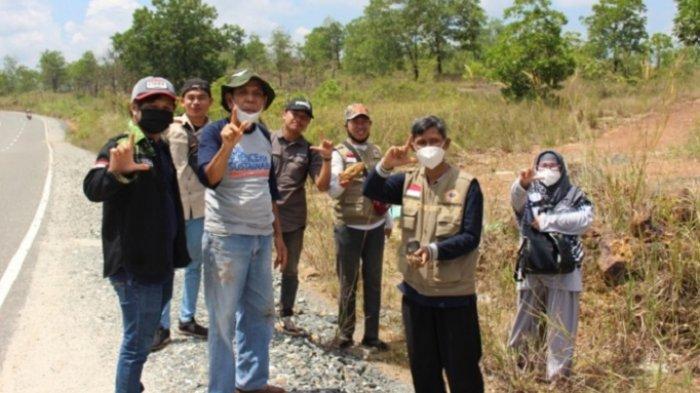 PKL di Bukit Pamaton, Mahasiswa Prodi Geografi FISIP ULM Temui Batuan Ofiolit