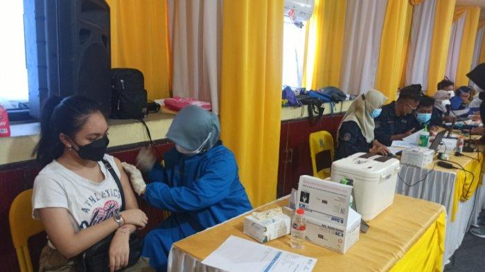 Vaksinasi Partai Golkar Kalimantan Selatan, 350 Warga Disasar Dapat Vaksin