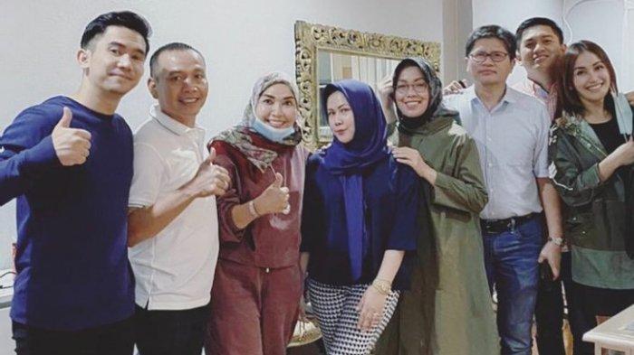 Umi Kalsum Kembali Temui WO Pernikahan Ayu Ting Ting dan Adit, Isyarat Bilqis Jadi Sorotan