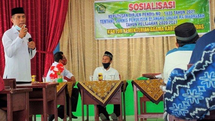 Petugas Kemenag Kabupaten Kapuas Sosialisasikan Petunjuk Teknis Penulisan Ijazah