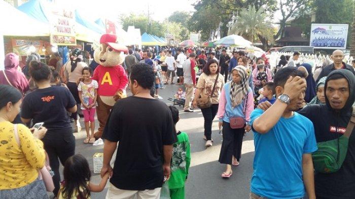 Jelang Lebaran Idul Fitri 2018, Pasar Ramadhan Masih Ramai Pengunjung