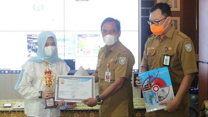 DKISP Banjar Serahkan Hadiah Lomba Peringatan Hari Jadi Kabupaten