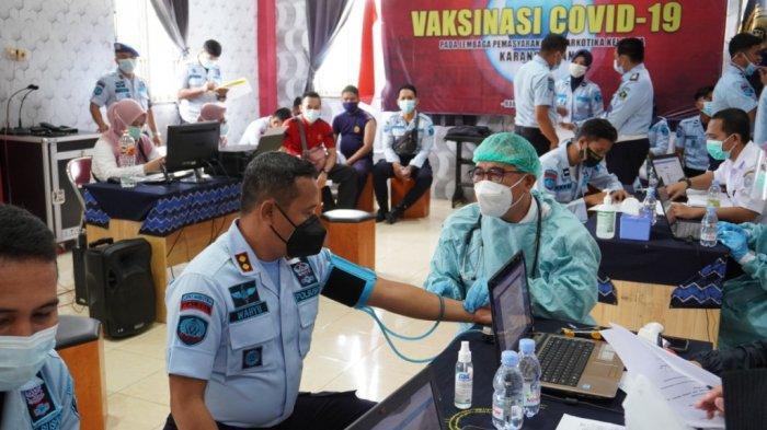 124 Petugas Lapas Karang Intan Martapura Ikuti Vaksin Covid Tahap II