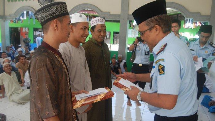 153 Warga Binaan di Rutan Rantau Kabupaten Tapiin Dapat Remisi Lebaran dan Hadiah
