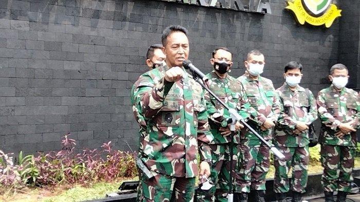 Kepala Staf Angkatan Darat (KSAD) Jenderal TNI Andika Perkasa saat konferensi pers di Markas Pomdam Jaya Jakarta pada Selasa (20/4/2021).