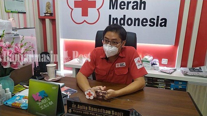 Jaga Stok Darah Selama Ramadan, UDD PMI Banjarmasin Bagi Paket Sembako ke Pendonor