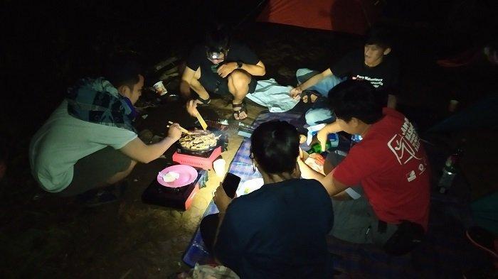 Serunya Kemping di Puncak Arta Aranio Kabupaten Banjar, Wisawatan Bisa Barbequan