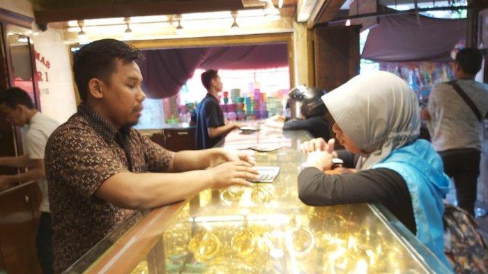 Harga Emas Perhiasan Di Toko Emas Banjarmasin Capai Rp 685 000 Per Gram Ini Yang Diminati Banjarmasin Post