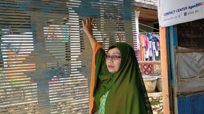 Banjir Bandang HST Kalsel, Tanda Bekas Ketinggian Air Tertinggal di Dinding Rumah