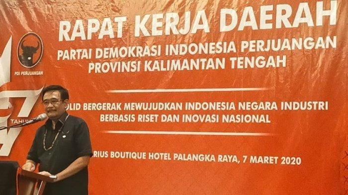 Ketua DPP PDIP , Djarot Syaiful Hidayat, saat memberikan sambutan dalam Rakerda PDIP Kalteng di Palangkaraya, Sabtu (7/3/2020).