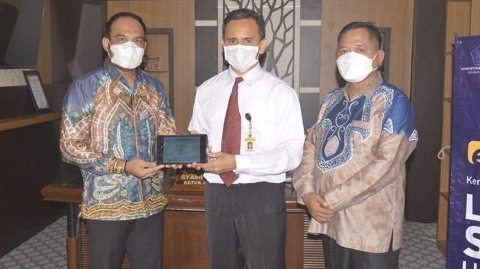 Mudah Laporkan SPT Tahunan, Ketua DPRD Apresiasi Pelayanan Prima Kantor Pajak Kotabaru