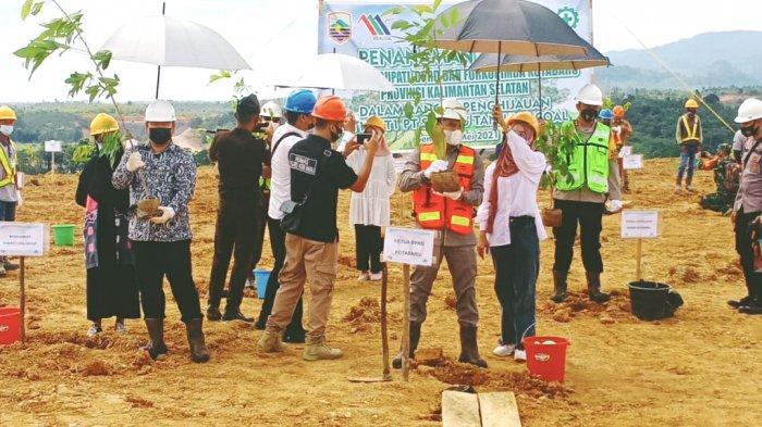Ketua DPRD Apresiasi Kegiatan Penanaman Pohon Oleh PT STC, Syairi Mukhlis: Sisipkan Kearifan Lokal