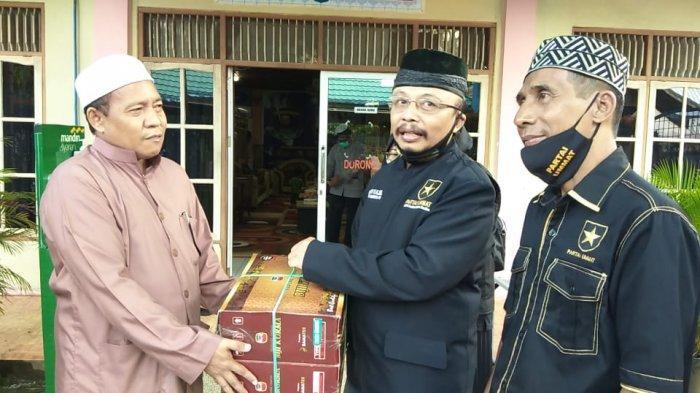 Partai Ummat Kalsel Salurkan Bantuan untuk Santri Ponpes Al Falah Banjarbaru