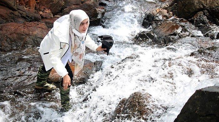 Ketua PKK Banjar Kunjungi PKK Desa Kiram dan Nikmati Wisata Alam Air Terjun