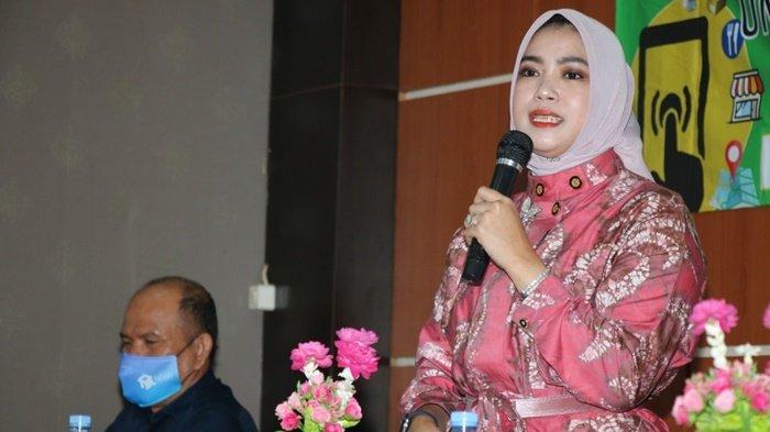 Ketua TP PKK Kabupaten Banjar Buka Pelatihan Penjualan IKMMelalui Media Digital