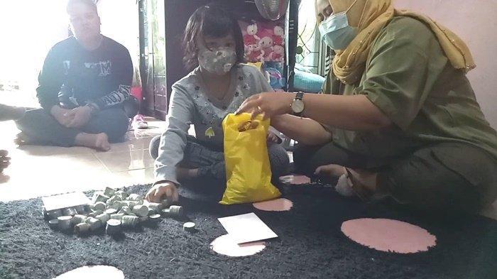 Dukung Perjuangan ke MK, Bocah 7 Tahun di Kotabaru Donasikan Uang Tabungan Untuk 2BHD
