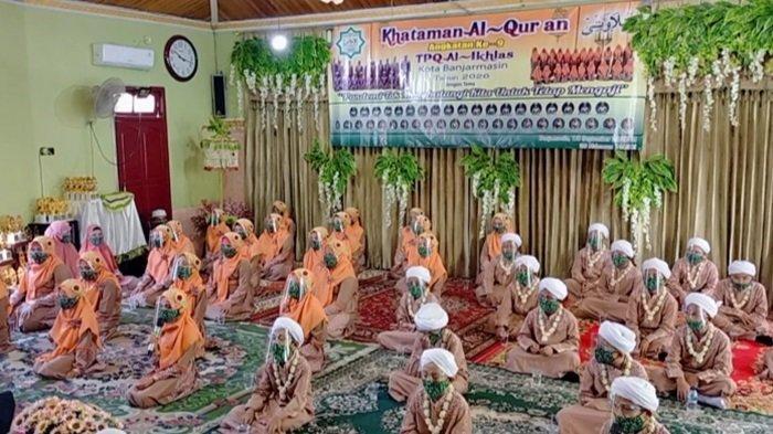 41 Santri TPQ Al Ikhlas Kelurahan Kebun Bunga Banjarmasin Timur Khataman Alquran Pakai Face Shield