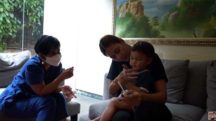 Kondisi Tubuh Kiano Baim Wong yang Sakit Bikin Paula Syok, Muncul Luka Berair