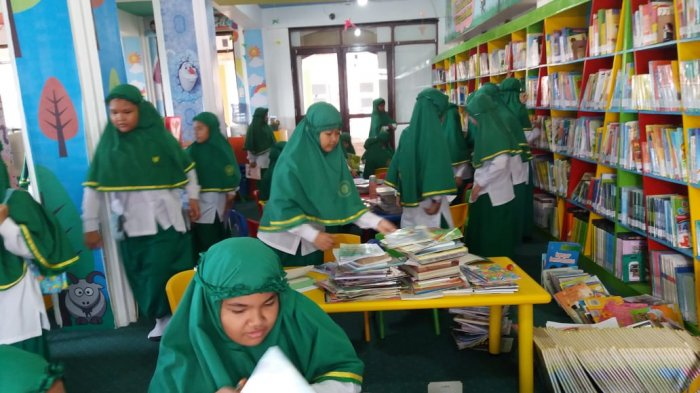 Membeludak, Sampai Antre Kids Library Perpustakaan Dispersip Kalsel