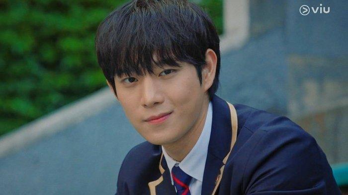 Kim Young Dae di drama Korea The Penthouse
