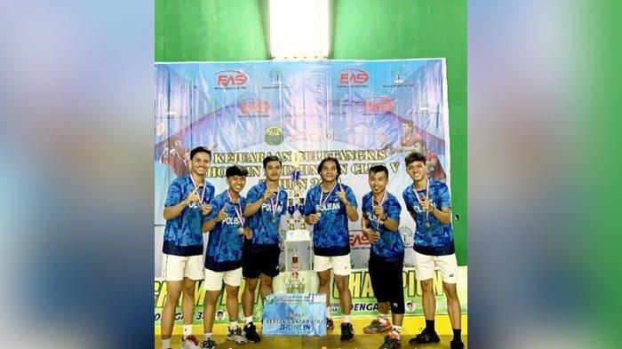 Poliban Banjarmasin Juara 1 Beregu Ganda Putra Kejuaraan Jhonlin Badminton di Kabupaten Tanbu