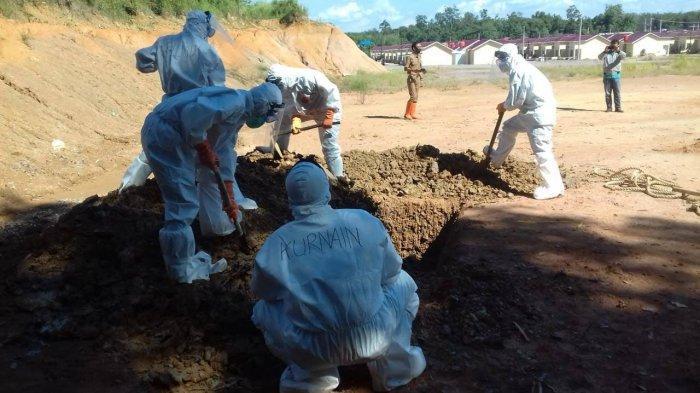 Kodim Tanjung Bantu Pemakaman Protokol Covid-19, Peltu Prayogo Rela Mandi Keringat