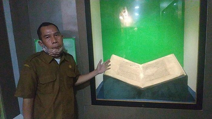 Ada Koleksi Mushaf Alquran Tulisan Tangan Ulama Banjar Syekh Muhammad Arsyad Albanjari - koleksi-al-quran-tulisan-syekh-muhammad-arsyad-albanjari-atau-dikenal-datu-kelampayan.jpg