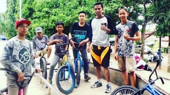 Dispora Cycling Gowes Sambil Interaksi ke Masyarakat