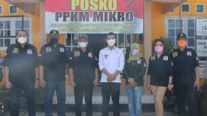 Komisi III DPRD Kota Banjarbaru di kawasan lokasi jalan warga yang tertutup di Handil VI Kelurahan Syamsudin Noor, Kecamatan Landasan Ulin, Rabu (2/6/2021) siang.