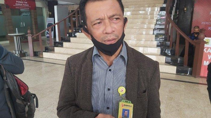 Jelang Masa Tenang di Banjarmasin, Komisioner Bawaslu RI Ikut Memantau Proses Penertiban APK