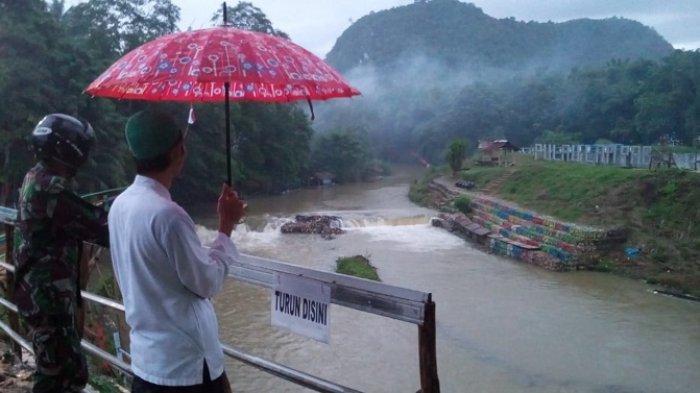Hujan Lebat Guyur Barabai, Warga Bantaran Sungai Barabai Diminta Waspada