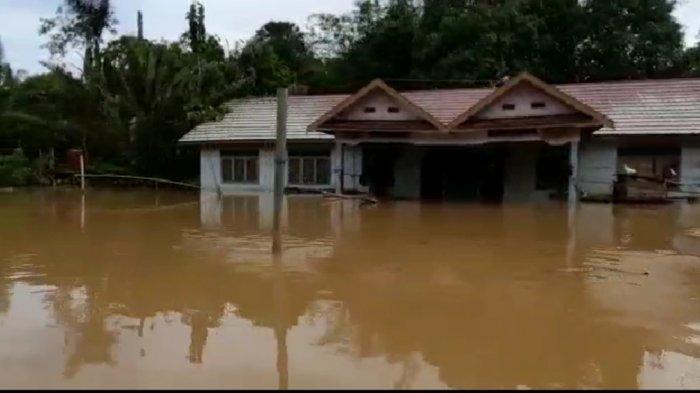 Banjir Kalsel, Selain Satui, Tiga Desa Di Kecamatan Teluk Kepayang Tanahbumbu Juga Terendam