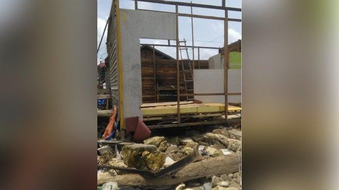 Nelayan Desa Muarakintap Tala Khawatir Ancaman Gelombang Besar, Satu Rumah Rusak Diterjang Ombak