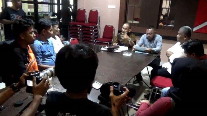 Sama-sama Pengusaha SPBU, Ayah dan Anak Berseteru, Ketemu di Kantor Polisi Sang Ayah Main Dipukul